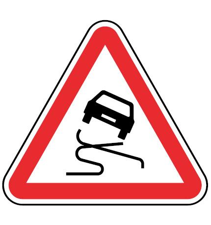 A5-Pavimento-escorregadio-sinalizacao-vertical-perigo