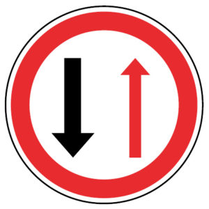 B5-Dar-prioridade-nas-passagens-estradas-sinalizacao-ao-vertical-regulamentacao-cedencia-passagem-prioridade