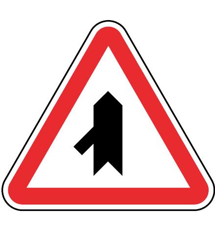 B9c-Entroncamento-com-estrada-sem-prioridade-sinalizacao-vertical-regulamentacao-cedencia-passagem-prioridade