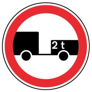 C3p - Trânsito proibido a veículos transportando mercadorias perigosas