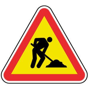 AT1-Trabalhos-na-via-perigo-sinalizacao-vertical-temporaria